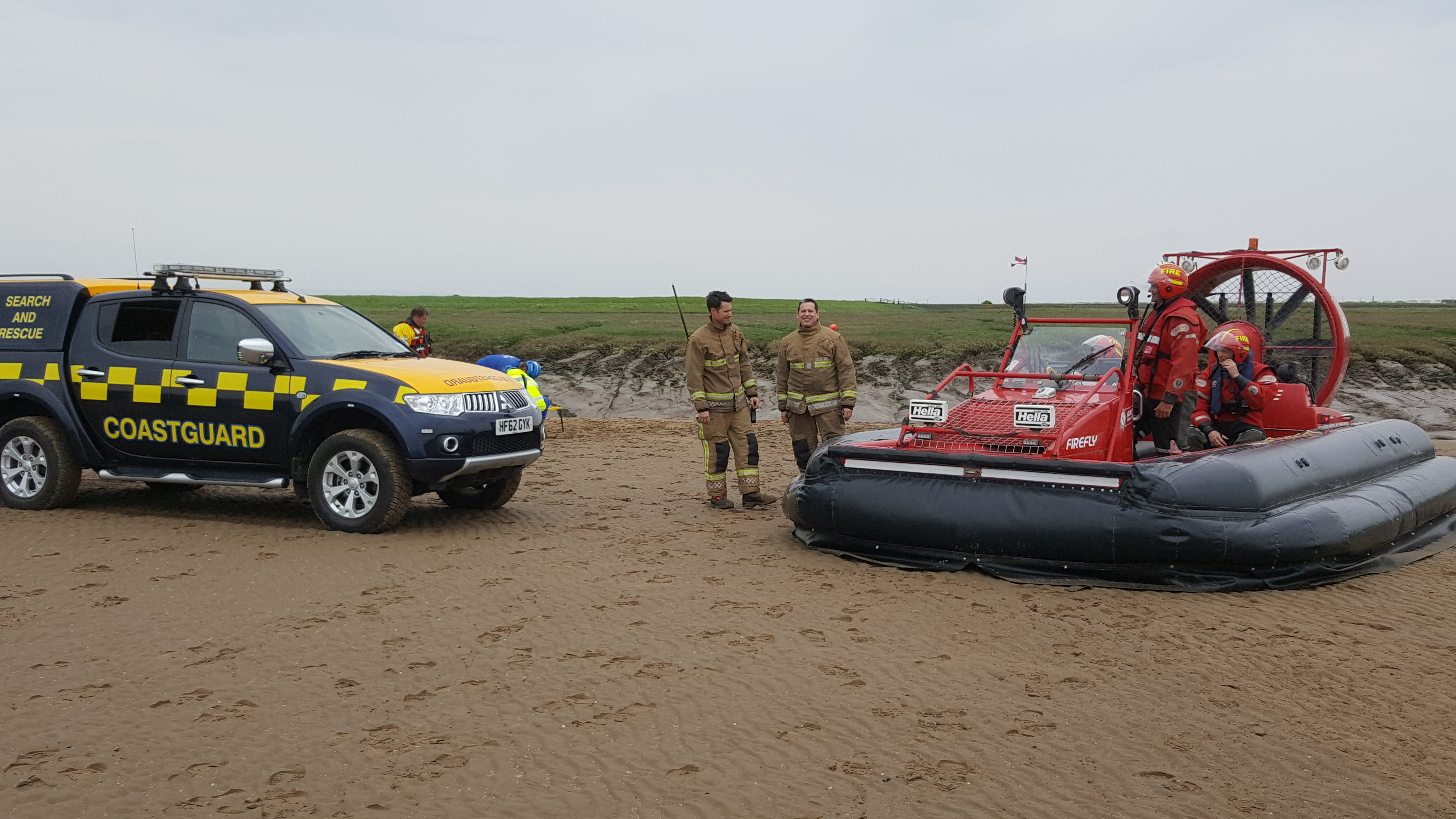 Avon Fire & Rescue team up with HM Coastguard for mud rescue training